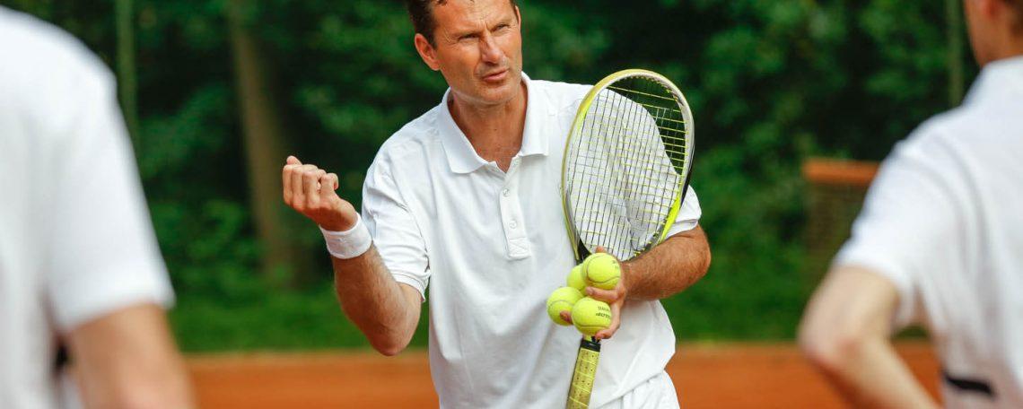 Jacco Eltingh verzorgt een zakelijke tennisclinic